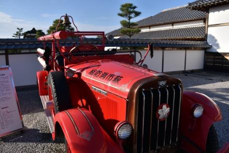 5昔の消防車