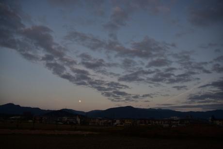 12月と飛行機雲