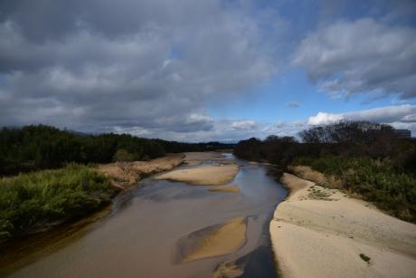 4不思議な川