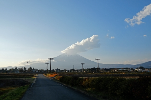 08御殿場市街からの富士山