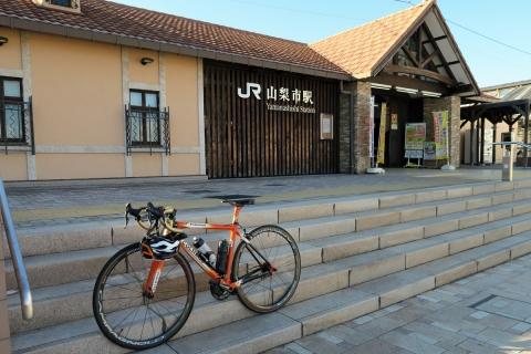 02山梨市駅