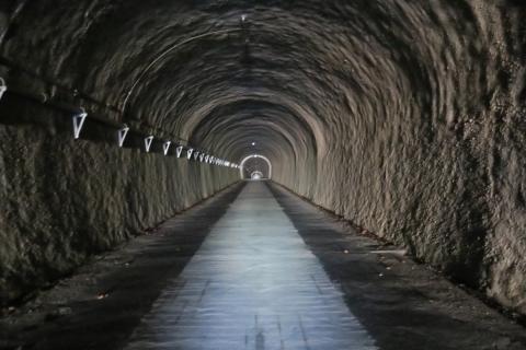 14御坂峠トンネル