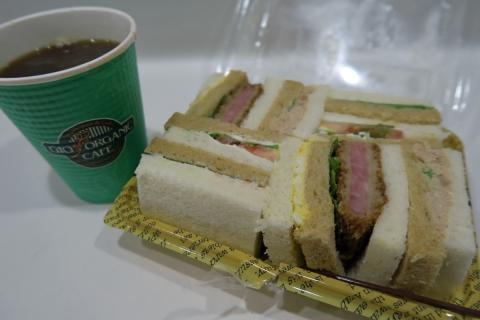 01新横浜で朝ご飯
