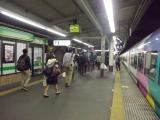 深夜の甲府駅に到着