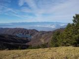 大菩薩湖と南アルプスを望む