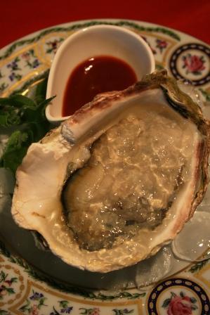 WEB岩牡蠣のジュレ&カクテルソース