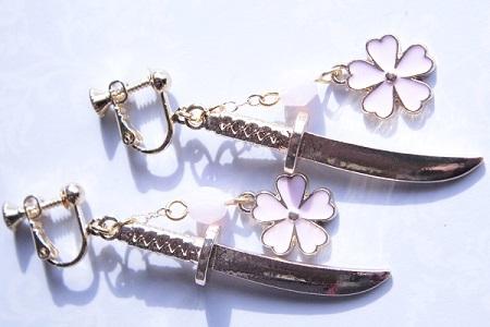 桜と日本刀のイヤリング (3) - コピー