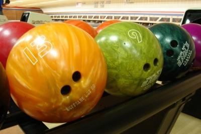 bowling-balls-658385_640.jpg