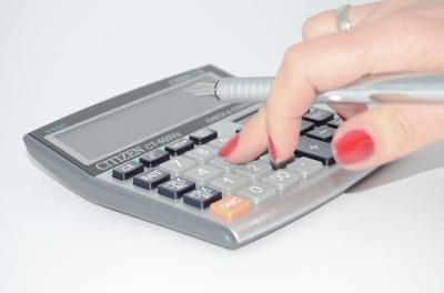 calculator-428294_640.jpg