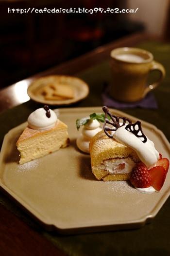 喫茶ニワトコノミ◇ロールケーキ