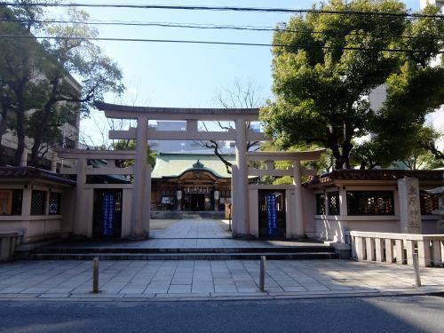 坐摩神社正面