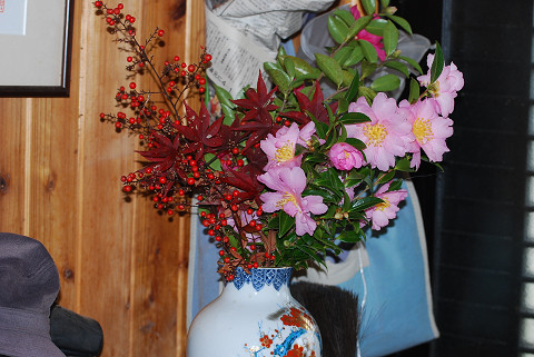 庭の花を花瓶に