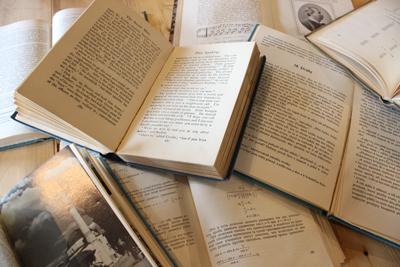 ビンテージ 洋書 アンティーク インテリア ディスプレイ 春日井 雑貨屋 家具 海外の本