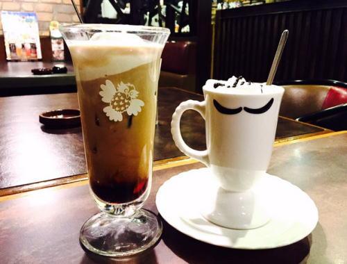 びっくりドンキーのひげカップコーヒー