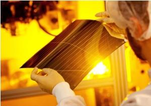 Heliatek_organic_solar-cell_image1.jpg
