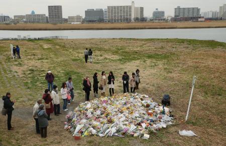 上村遼太さんの遺体が見つかった河川敷=川崎市川崎区で2015年3月、小川昌宏撮影