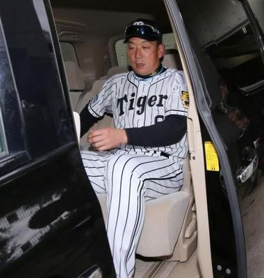 阪神金本監督「それはなしで」清原容疑者逮捕に沈む