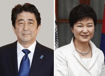 安倍首相は朴大統領との電話会談で「日本国の首相として心からおわびと反省の気持ちを表明する」と伝えた。