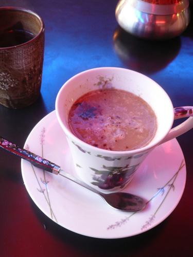 韓国の追憶の味、「モーニングコーヒー」は生卵入り
