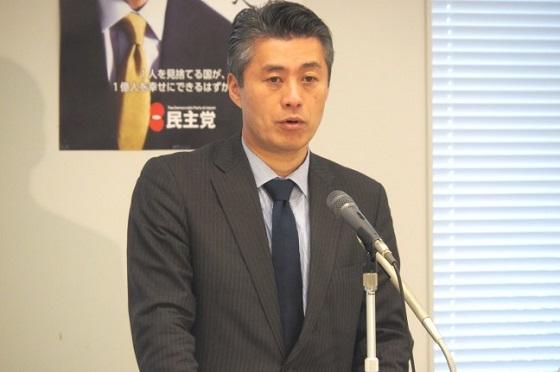 細野豪志政策調査会長は9日午前、国会内で記者会見を開き、(1)高市総務大臣の放送法4条についての発言(2)安倍政権の経済政策――等について発言した。