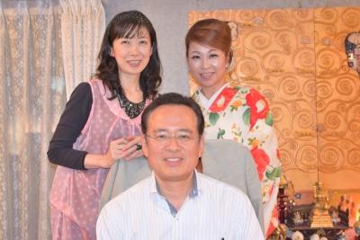 天上界サロンでの一コマ・真ん中の人物が川口 哲生 先生