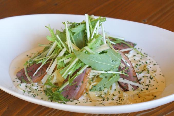 鴨肉と水菜のブルーチーズクリームパスタ