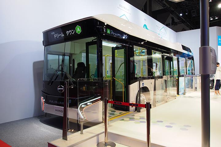 20151108_hino_fuel_cell_bus-01.jpg