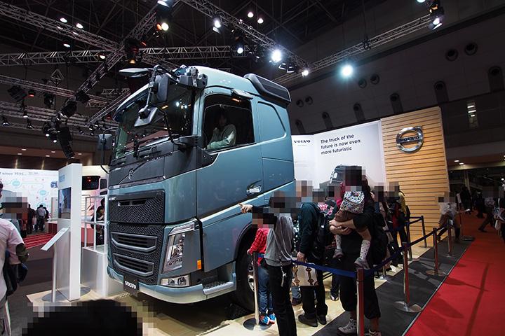 20151108_volvo_truck-02.jpg