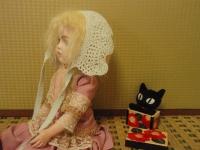黒猫が凝視