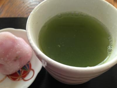 いちご大福とお茶