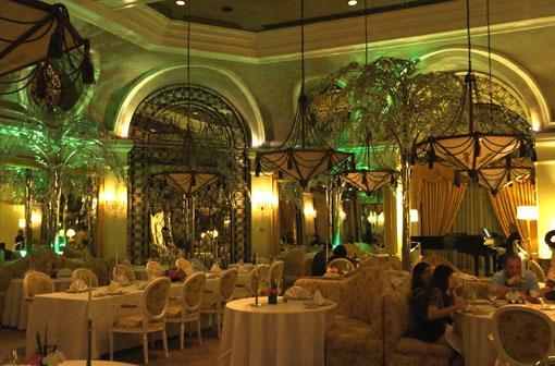 20160115 Manila Hotel シャンペンルーム 18㎝ DSC01776