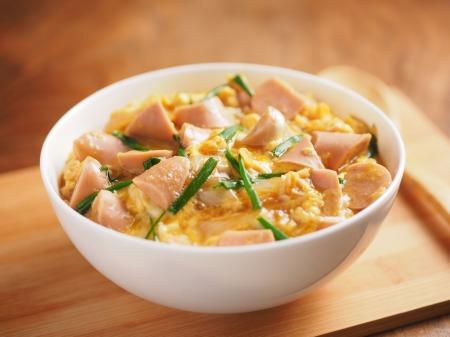 魚肉ソーセージ親子丼t11