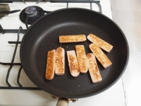 魚肉ソーセージのチーズ焼きt24