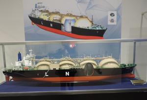 LNG船二重船体blog01