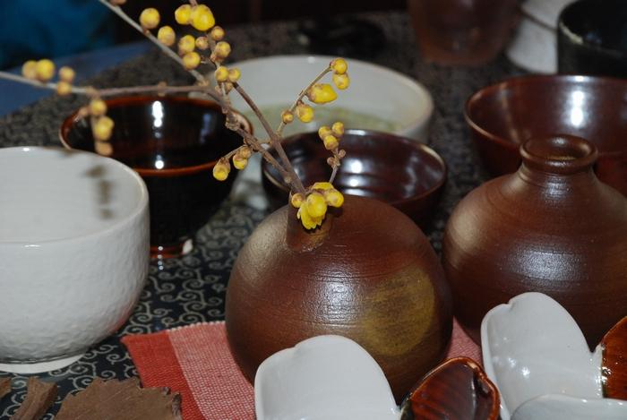 蝋梅を挿した花瓶29