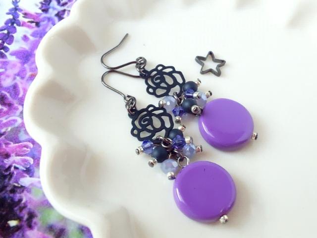 黒薔薇と紫コインヴェネチアンのしゃらんらピアス2