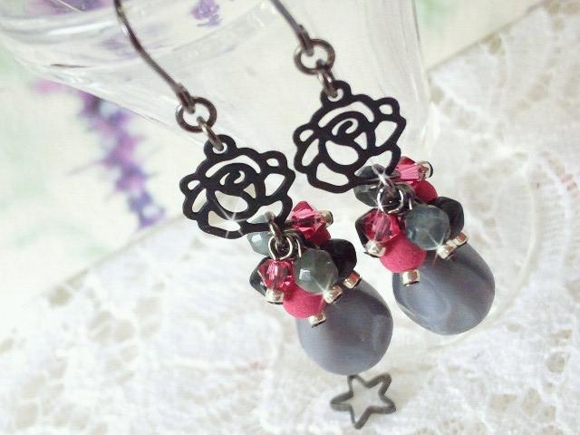 黒薔薇とピンクとグレーのしゃらんらピアス4