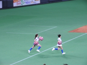 さあ、札幌ドームのグラウンドへ!