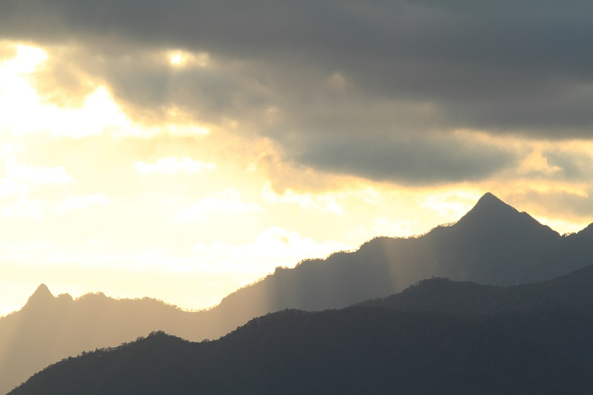 大峰山脈、光芒、3