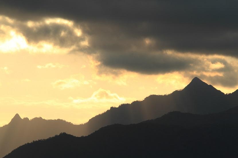 大峰山脈、光芒、4