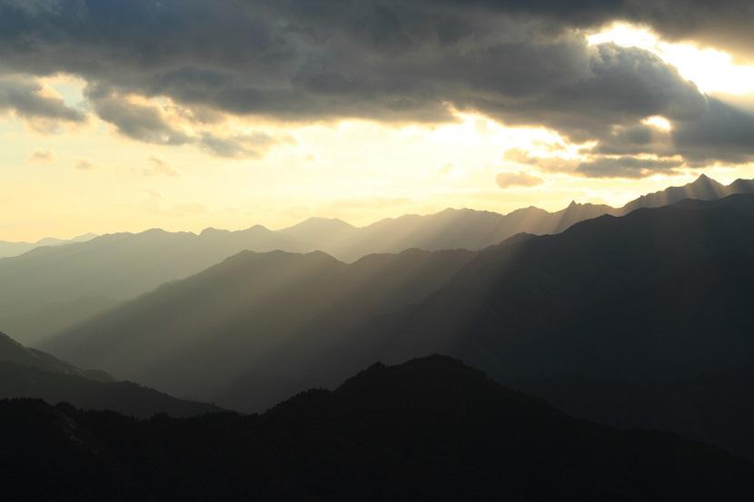 大峰山脈、光芒、5