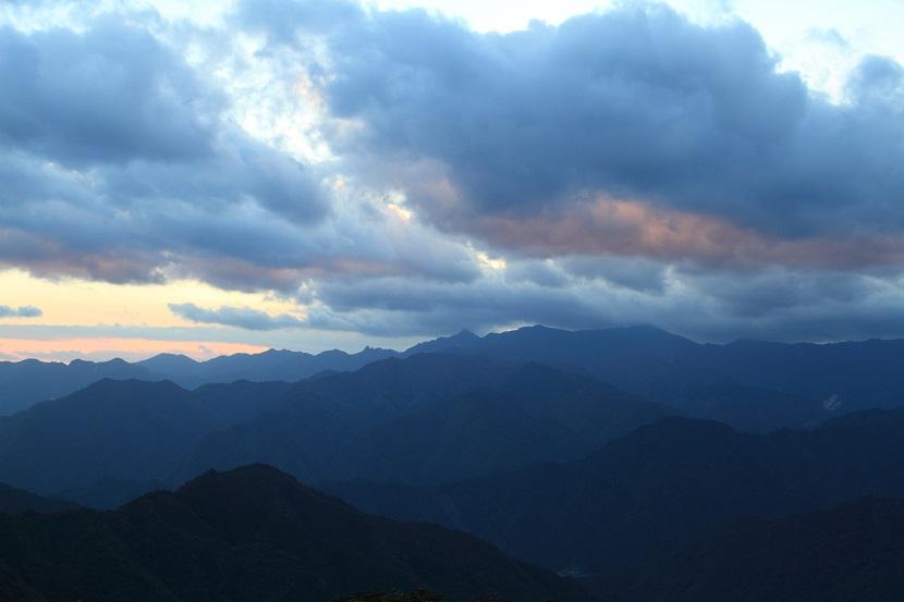 大峰山脈、光芒、12
