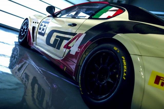 マセラティ グラントゥーリズモ MC GT4