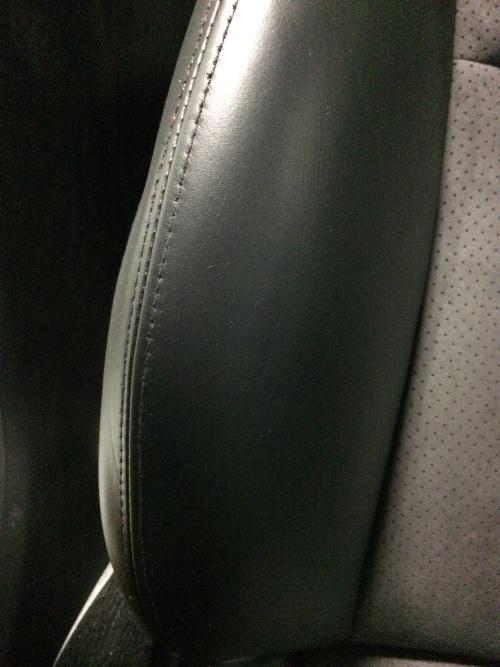 レザーシートひび割れ補修 インプレッサ S204