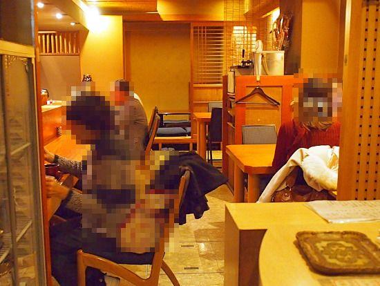 s-山椒店内P1128941