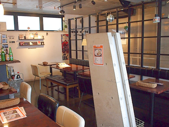 s-タカチホ店内P2069430