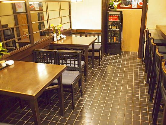 s-魚菜店内2P2129555