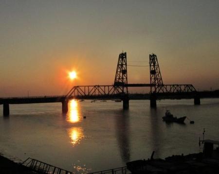 昇開橋の夕陽 013