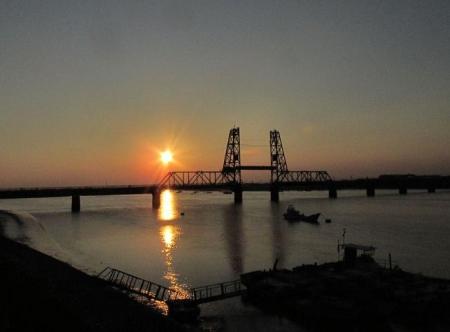 昇開橋の夕陽 012