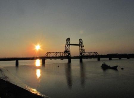 昇開橋の夕陽 005